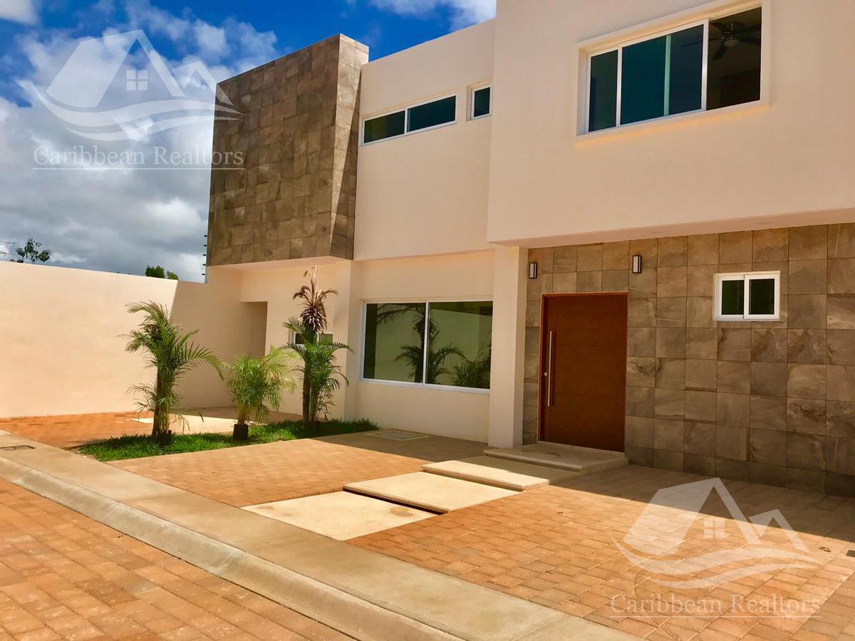 Foto Casa en Venta en  Cancún ,  Quintana Roo  Casa en Venta en Cancún / COLEGIOS