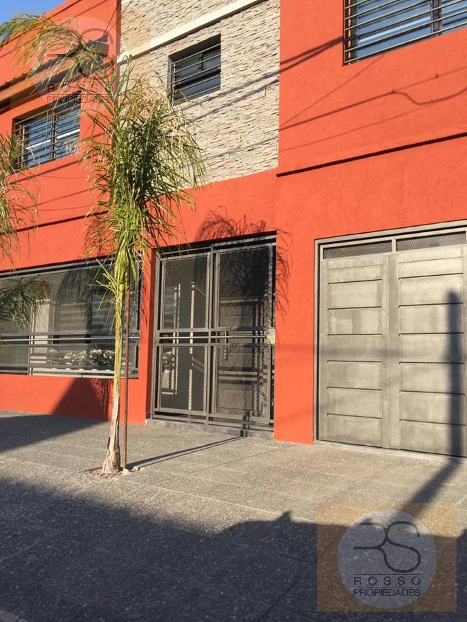 Foto Casa en Venta en  Villa Luzuriaga,  La Matanza  Camacua al 2900