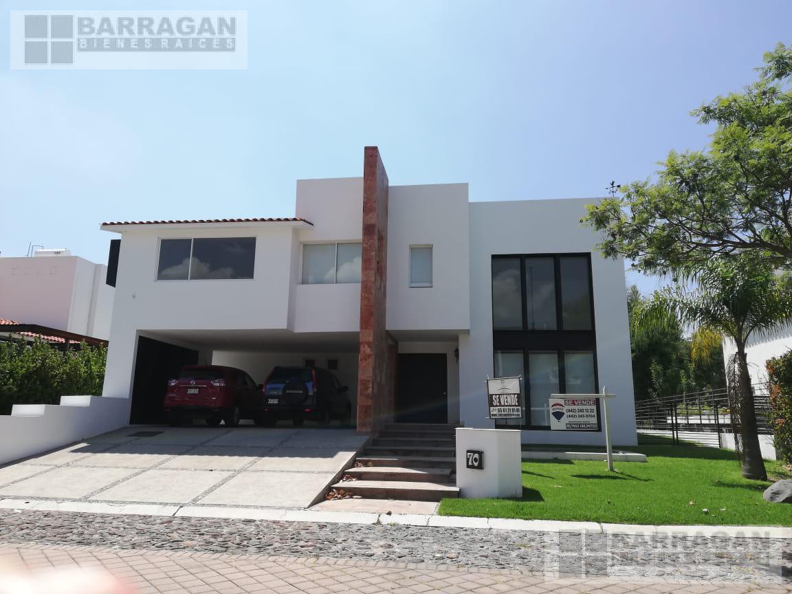 Foto Casa en Venta en  Fraccionamiento El Campanario,  Querétaro  Casa en venta El Campanario Queretaro
