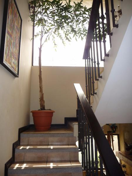 Foto Casa en condominio en Venta   Renta en  Escazu,  Escazu  OPORTUNIDAD TERRAHOUSE VENDE CONDOMINIO EN JABONCILLOS, ESCAZU