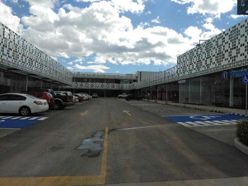 Foto Local en Renta en  Ejido Ejido Labor de Terrazas,  Chihuahua  Local 12 Renta Plaza Nórtica $13,000 Walzun EC2