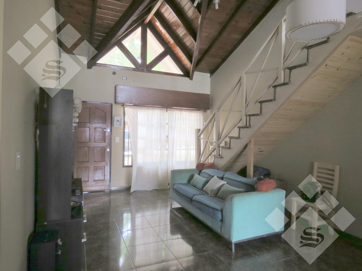 Foto Casa en Venta en  Villa Gobernador Udaondo,  Ituzaingo  Chimbora al 400