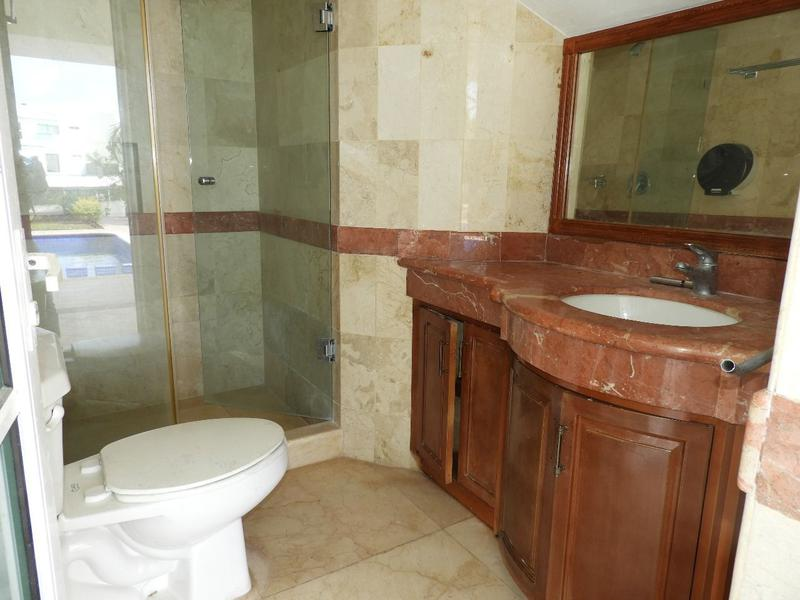 Zona Hotelera House for Sale scene image 11