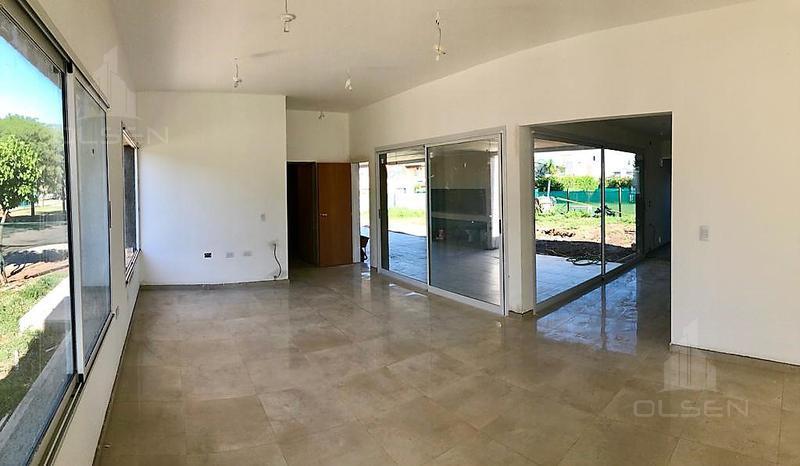 Foto Casa en Venta en  Tejas del Sur,  Cordoba  TEJAS 3 - UNICO LOTE 930 MTS - FTE AMENITIES- ESTRENALA VOS!! 3 DOR - GRAN PATIO! FINANC. PROPIA