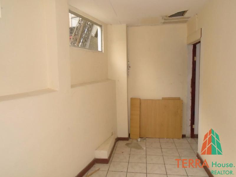 Foto Local en Renta en  Escazu,  Escazu  SE ALQUILA OFICINA EN SEGUNDO PISO CON 75 M2. (3)