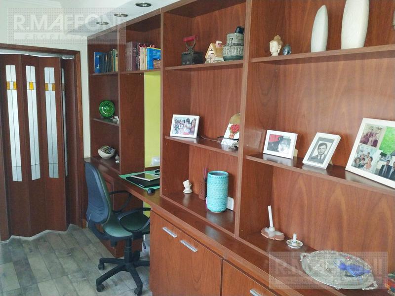 Foto Casa en Venta en  Adrogue,  Almirante Brown  Russell 475