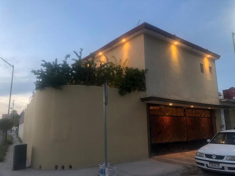 Foto Casa en Venta en  Fraccionamiento Jardines Universidad,  Torreón  Casa en venta Villas de las Flores