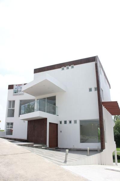 Foto Casa en Renta en  Bosque Real,  Huixquilucan  SE VENDE CASA MUY AMPLIA EN ISLA COUNTRY CLUB - BOSQUE REAL