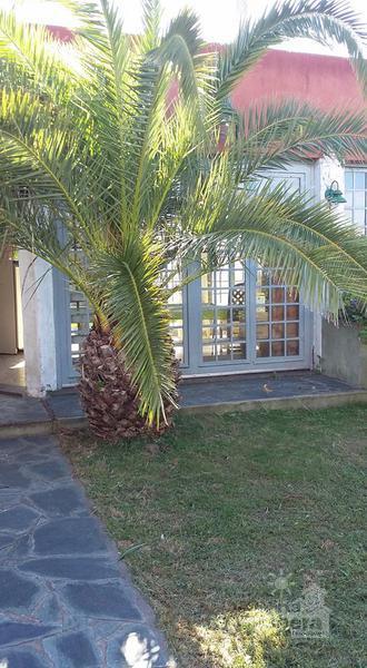 Foto Casa en Venta en  La Plata ,  G.B.A. Zona Sur  Calle 4  entre  77 bis y 78