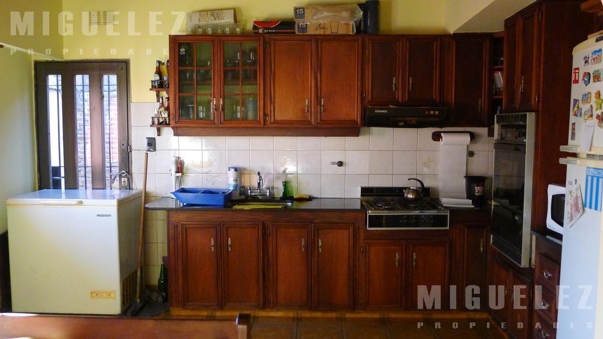 Foto Casa en Venta en  Remedios De Escalada,  Lanus  SUIPACHA 3829, ESCALADA