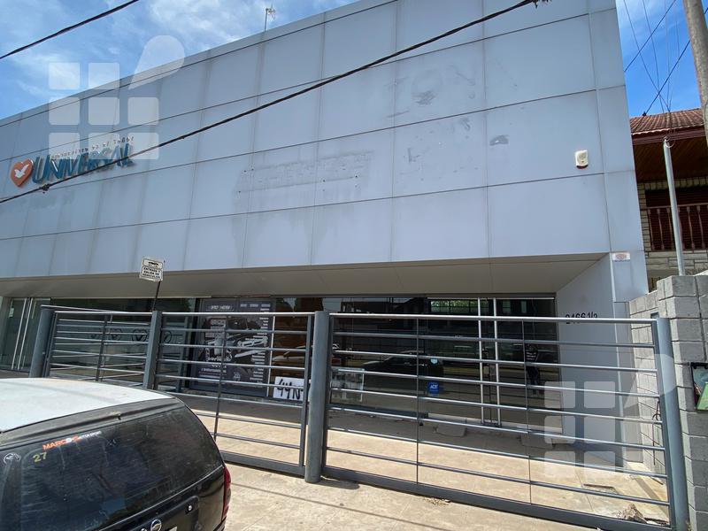 Foto Local en Alquiler en  La Plata ,  G.B.A. Zona Sur  44 e/ al 100