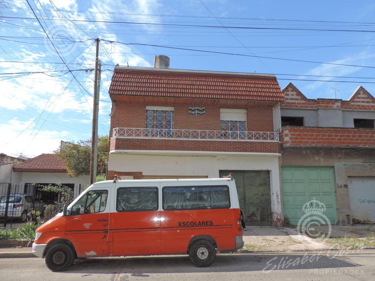 Foto PH en Alquiler en  Lanús Oeste,  Lanús  Udaondo al 2600