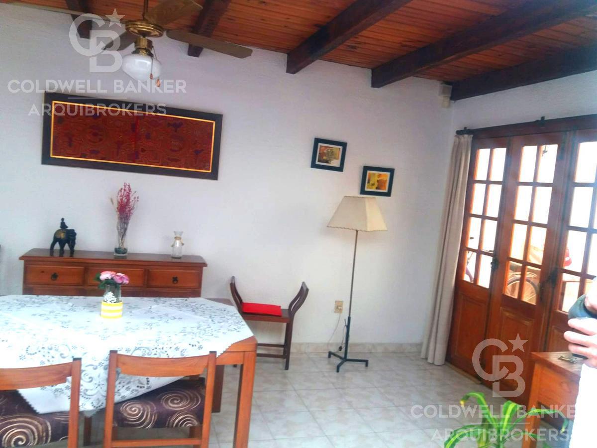Foto Casa en Venta en  Pocitos ,  Montevideo  Casa de 3 dormitorios con local comercial  en venta en Pocitos