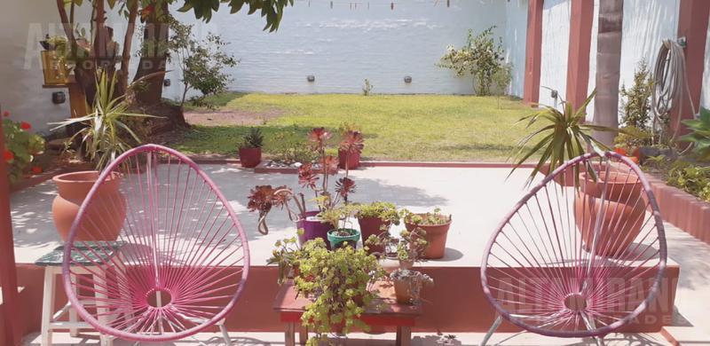Foto Casa en Venta en  Villa Ballester,  General San Martin  Sarandi al 3700 e/ San José de Flores y Formosa.