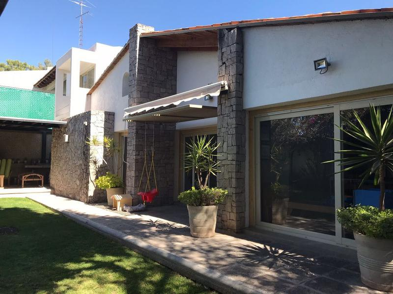 Foto Casa en Venta en  Raquet Club,  Querétaro  CASA ESTILO MEXICO CONTEMPORANEO RAQUET CLUB