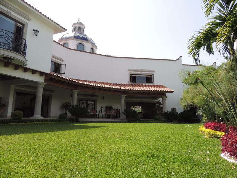 Foto Casa en Venta en  Vista Hermosa,  Cuernavaca  Venta de casa en Vista Hermosa, 1,100m2 de terreno...Clave 1551