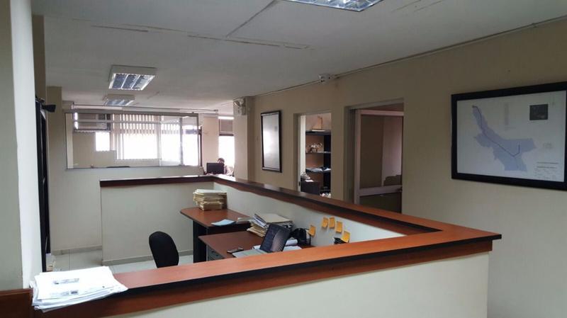 Foto Oficina en Venta en  Centro de Guayaquil,  Guayaquil  VENTA DE OFICINA EN EL CENTRO