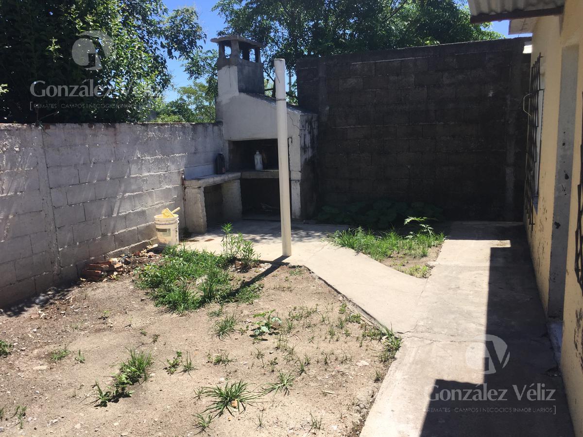 Foto Casa en Alquiler en  Carmelo ,  Colonia  Calle Bs As casi Irastorza