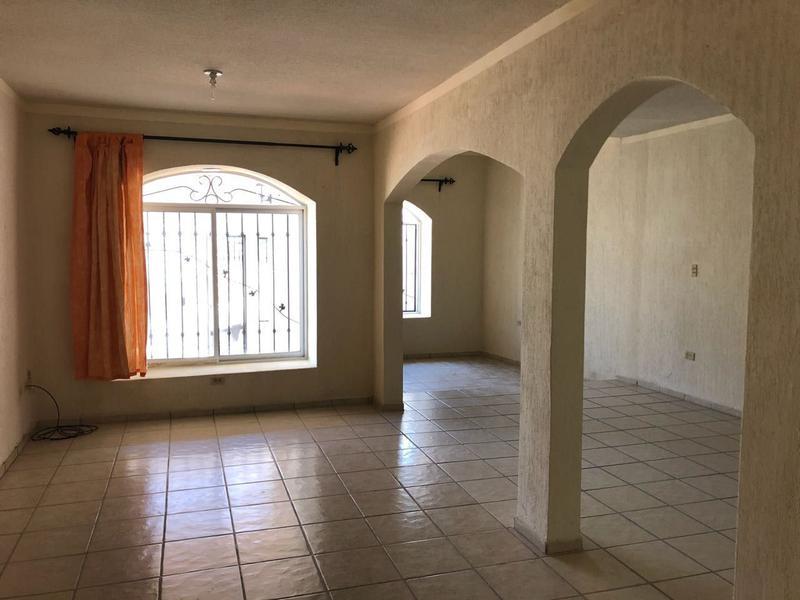Foto Casa en Venta en  El Camino Real,  La Paz  CASA DE LA MONTURA