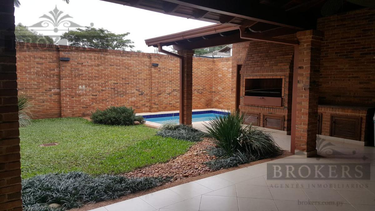 Foto Casa en Alquiler en  Mburucuya,  Santisima Trinidad  Alquilo Residencia De 3 Dormitorios Con Piscina En Barrio Mburucuya