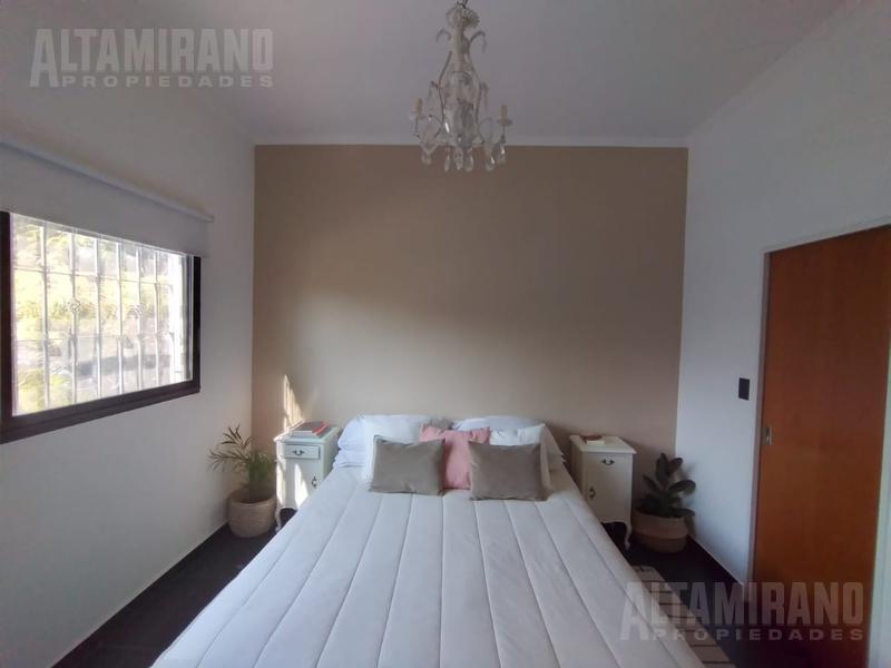 Foto Casa en Venta en  Villa Ballester,  General San Martin  Cordoba al 4000 e/Parana y Entre Ríos