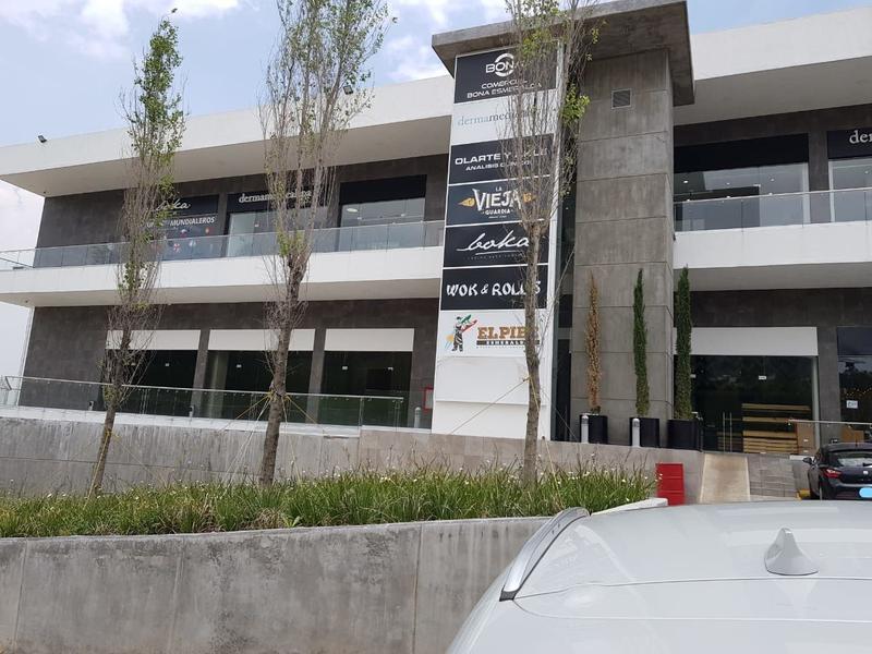 Foto Local en Renta |  en  Bosque Esmeralda,  Atizapán de Zaragoza  En renta Locales comerciales para Restaurante en Zona Esmeralda
