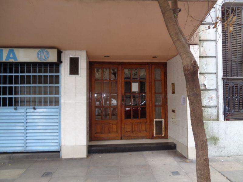 Foto Departamento en Venta en  Balvanera ,  Capital Federal  Saavedra 100