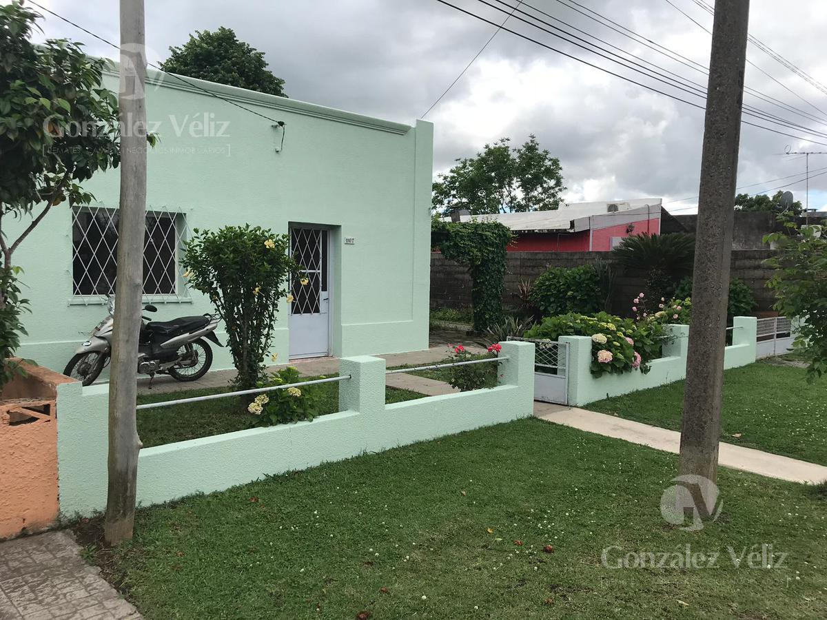 Foto Casa en Alquiler en  Carmelo ,  Colonia  19 de abril N°1107 entre Paraguay y Amnerys Bosco