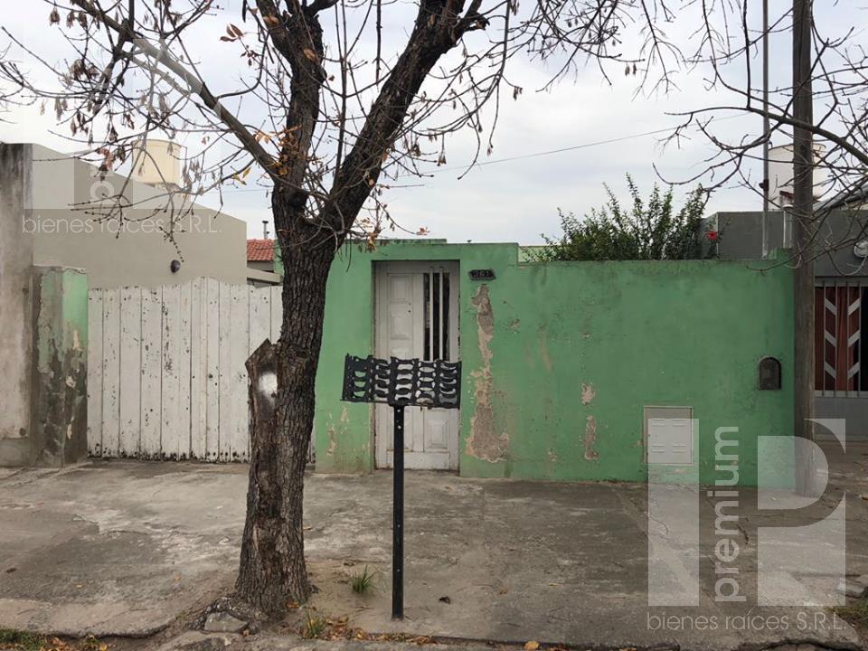 Foto Casa en Venta en  Sarmiento,  San Francisco  LIBERTAD al 300