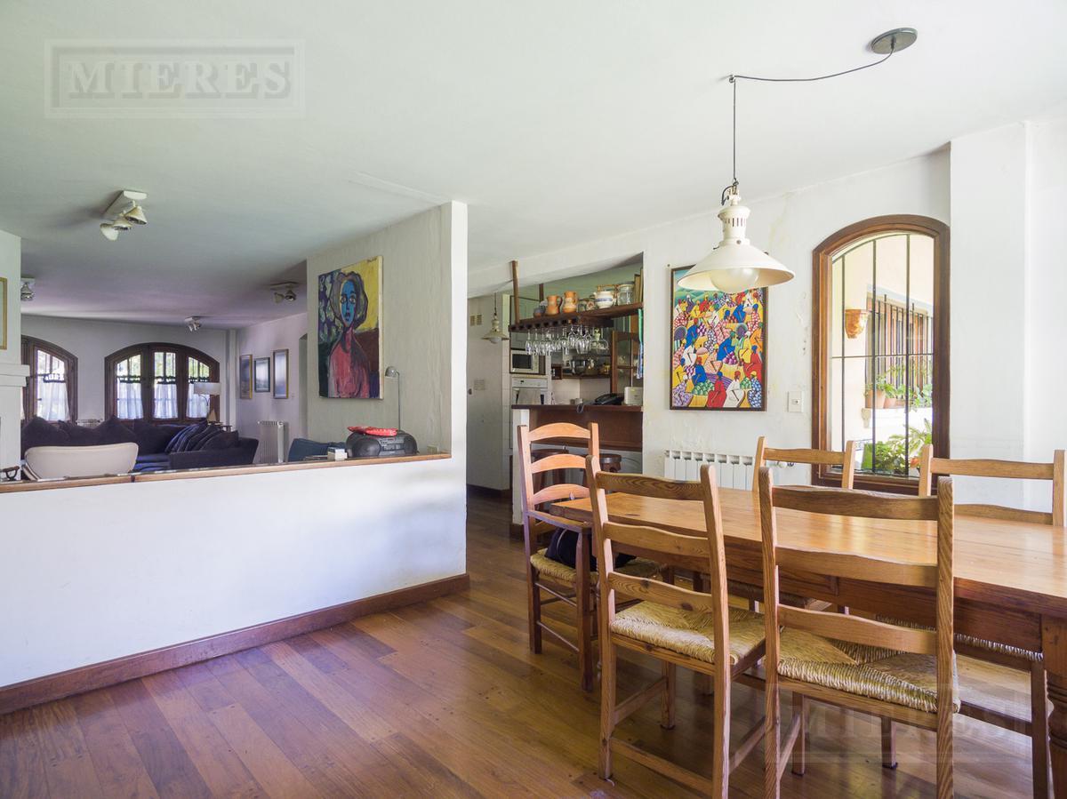 Excelente casa en venta en Lomas de San Isidro