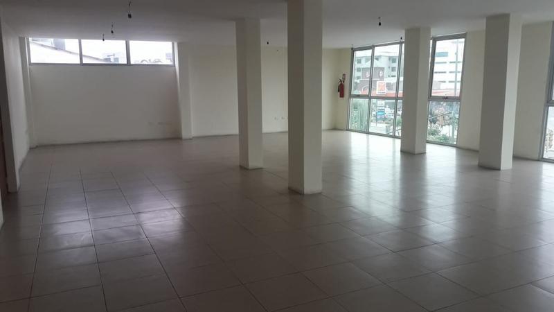 Foto Oficina en Alquiler en  Norte de Guayaquil,  Guayaquil  ALQUILO OFICINA COMERCIAL AVENIDA FRANCISCO ORELLANA SECTOR SAN MARINO