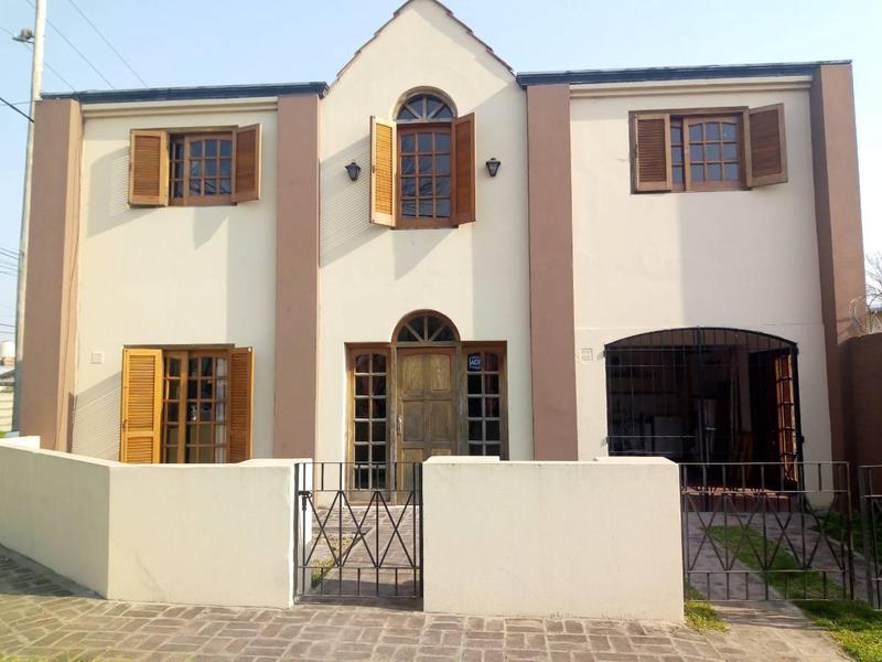 Foto Casa en Venta en  Tolosa,  La Plata  22 y 524