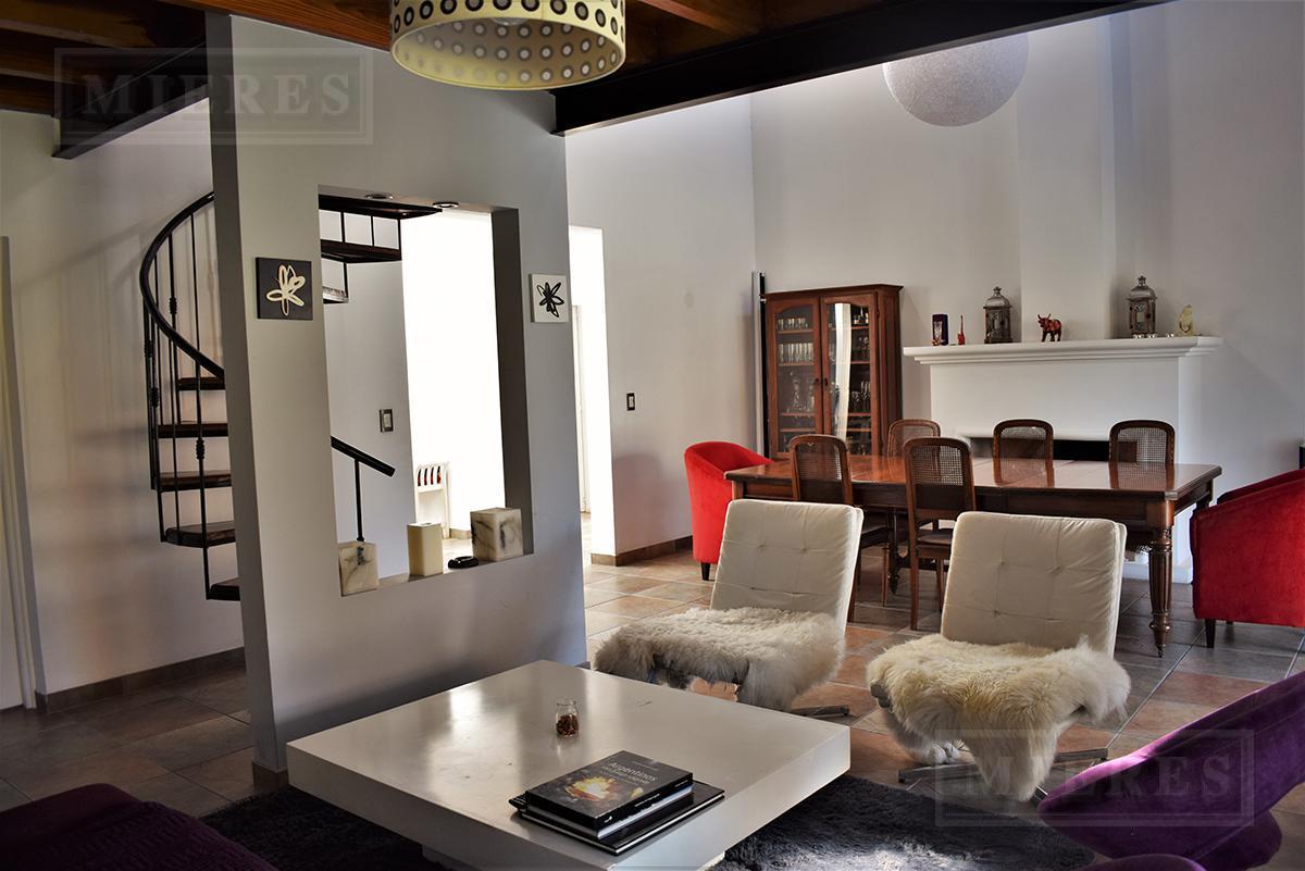 MIERES Propiedades- Casa de 200 mts en Buen Retiro