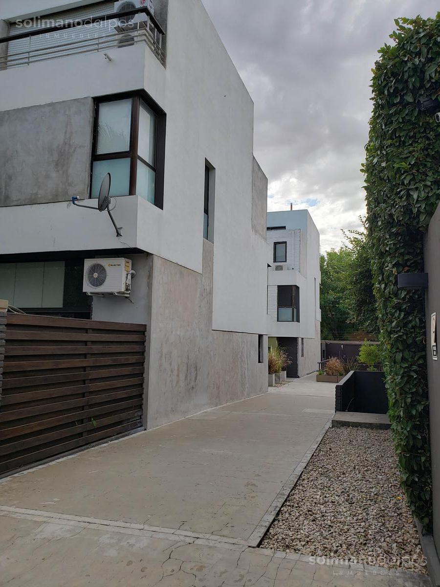 Foto Casa en Venta en  Olivos-Maipu/Uzal,  Olivos  Fray Justo Santa María de Oro al 3500
