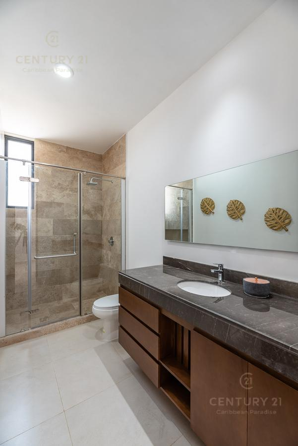 Solidaridad House for Sale scene image 40