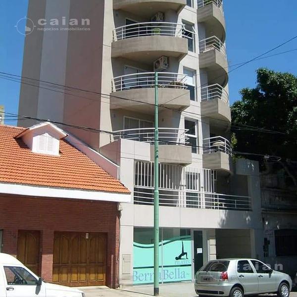 Foto Local en Venta en  Caballito ,  Capital Federal  Pujol al al 1400, CABA