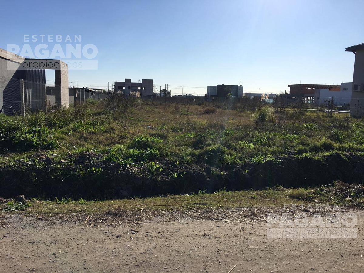 Foto Terreno en Venta en  City Bell,  La Plata      461 e 10 y 11 Barrio el Quimilar