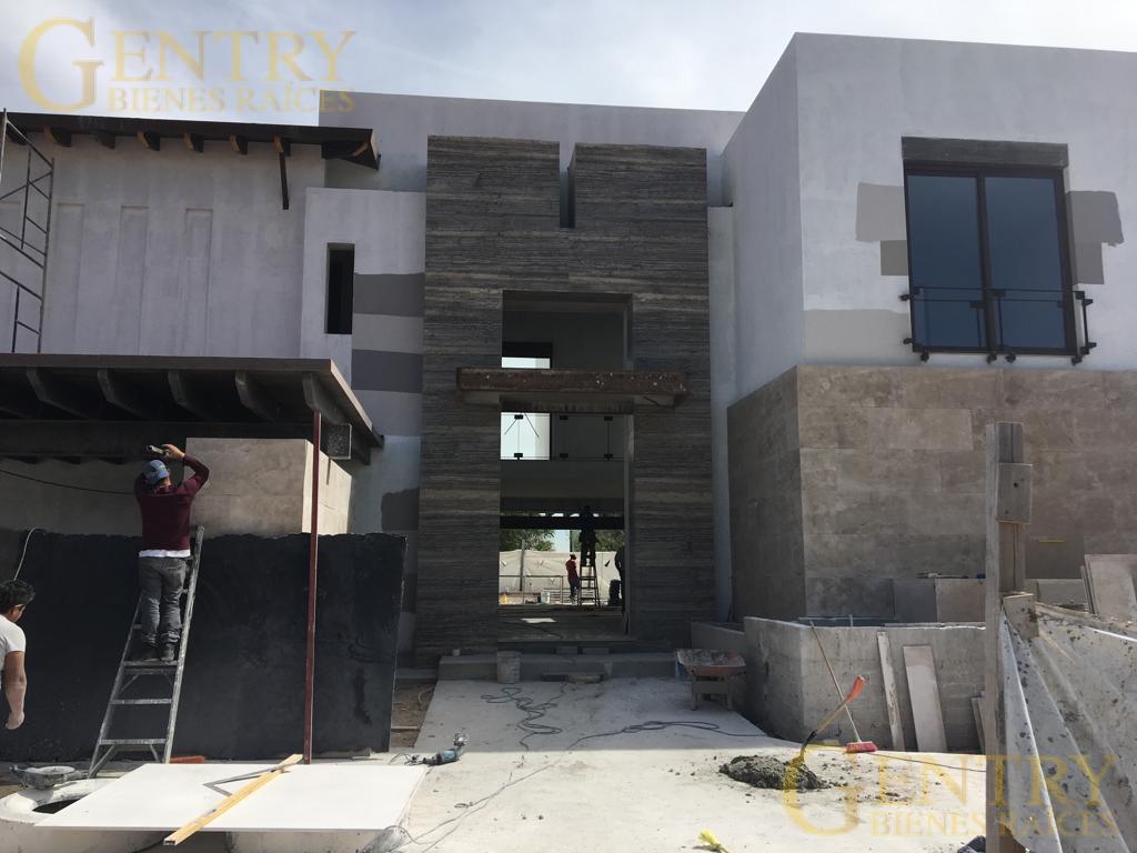 Foto Casa en Renta en  Fraccionamiento El Campanario,  Querétaro  Estrene Hermosa Residencia