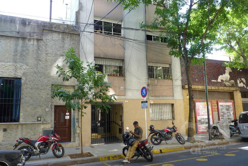 Foto Departamento en Venta en  San Cristobal ,  Capital Federal  Sarandí y Pavon