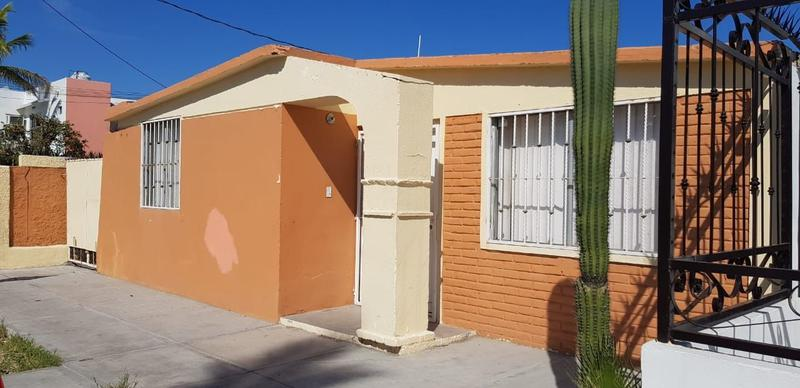 Foto Casa en Venta en  Perla,  La Paz  CASA ENSENADA Y JUAREZ