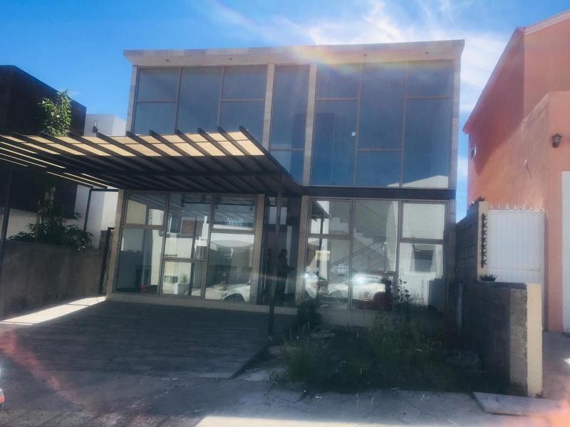 Foto Casa en Venta en  Fraccionamiento Bosques del Valle,  Chihuahua  Residencia Venta Fachada Cristal Bosques del Valle III $4,000,000 Jorr