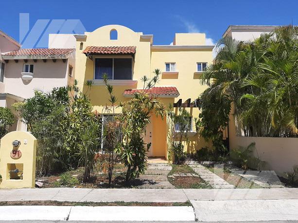 Foto Casa en Renta en  Supermanzana 51,  Cancún  Casa en Renta en Villas Toscana, Cancún, Q. Roo, 3 Recamaras, Clave GERA19