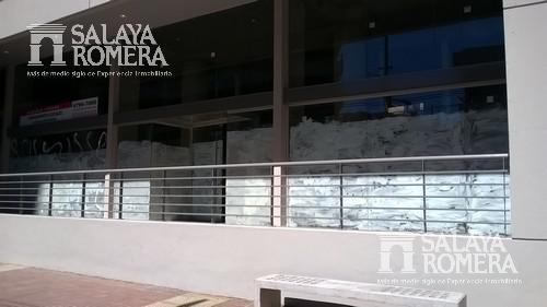 Foto Local en Venta en  Olivos,  Vicente Lopez  Corrientes entre Juan Díaz de Solís y Bartolomé Cruz