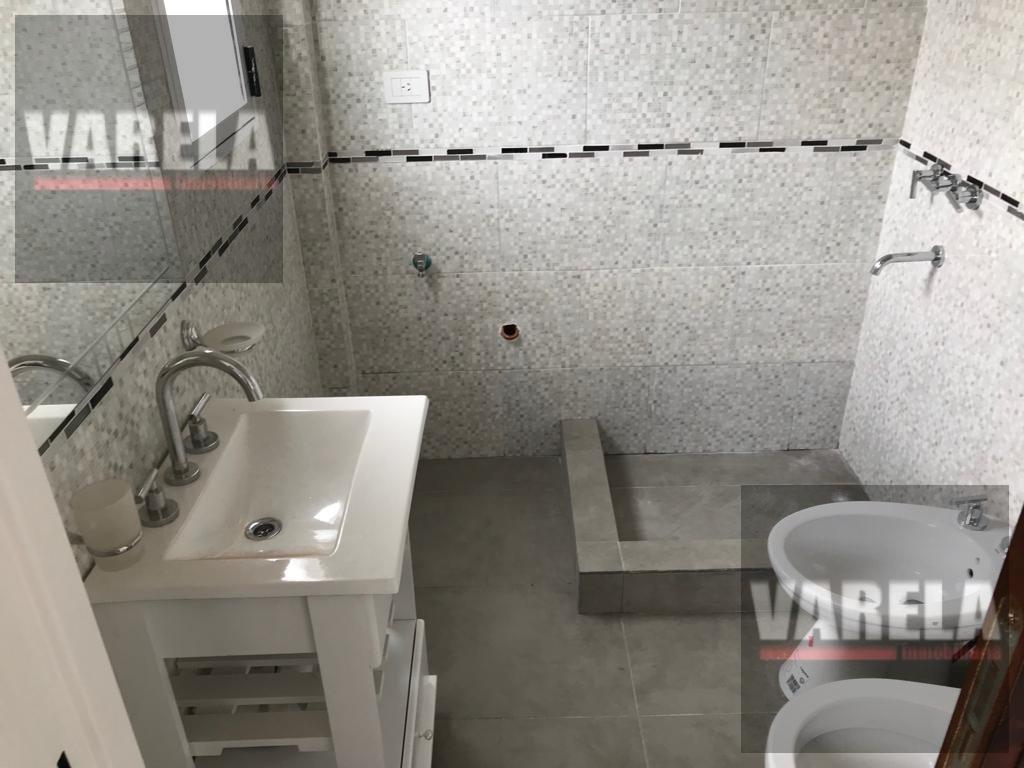 Foto Departamento en Alquiler en  Almagro ,  Capital Federal  Rawson 200