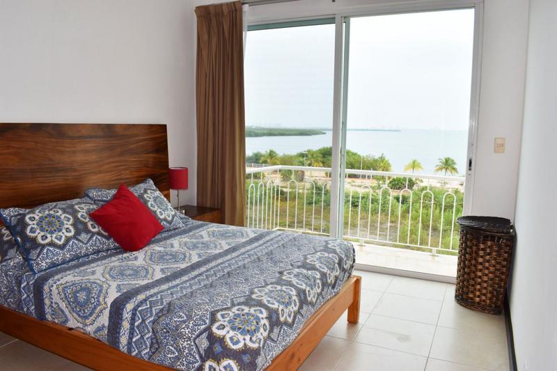 Foto Departamento en Renta en  Cancún ,  Quintana Roo  Pent House con vista a laguna en renta anual El Table Cancun C2411