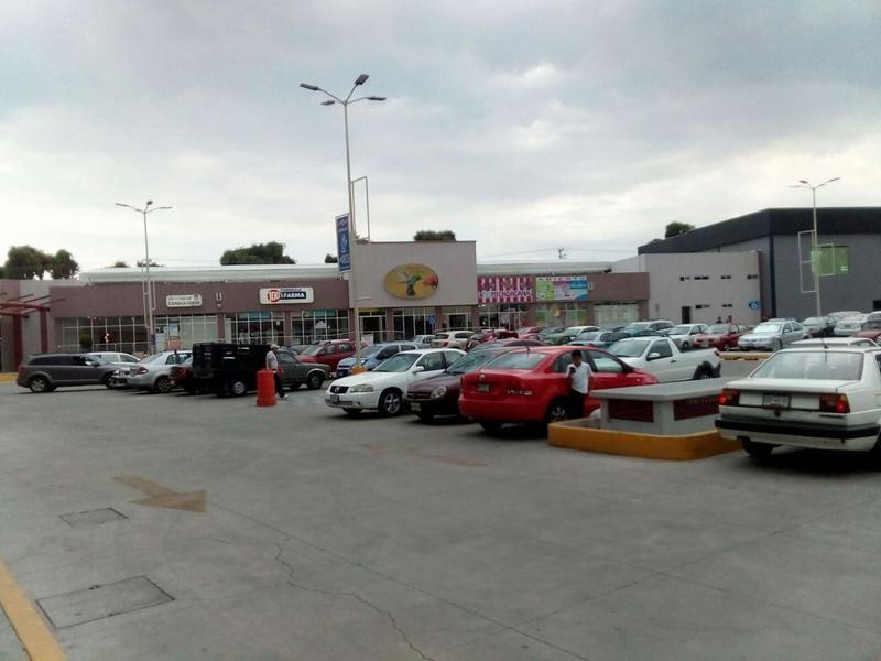Foto Local en Renta en  Santiaguito Tlalcilalcali,  Almoloya de Juárez  PLAZA COLIBRI ALMOLOYA DE JUAREZ ESQ. CARRETERA A TECAXIC (DONDE ESTA GARIS
