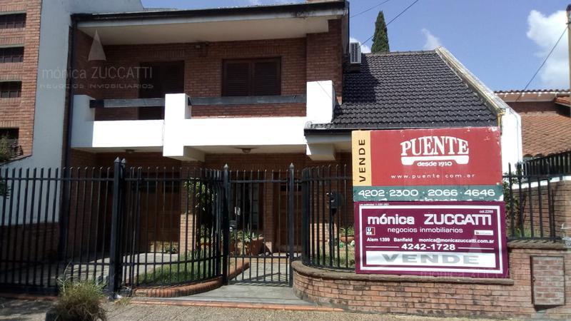 Foto Casa en Venta en  Banfield Oeste,  Banfield  Grigera 958