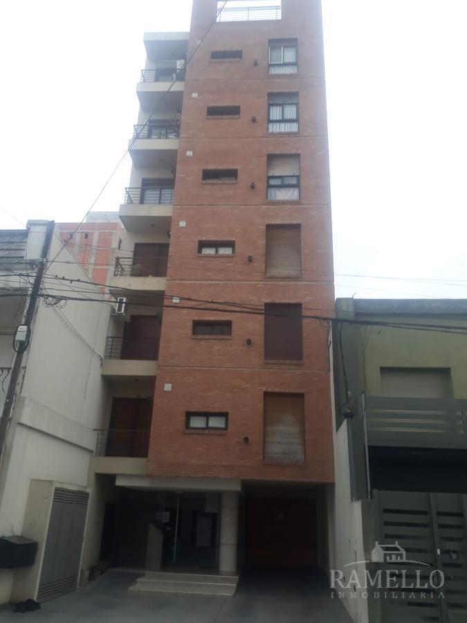 Foto Departamento en Alquiler en  Centro,  Rio Cuarto  Mendoza al 300