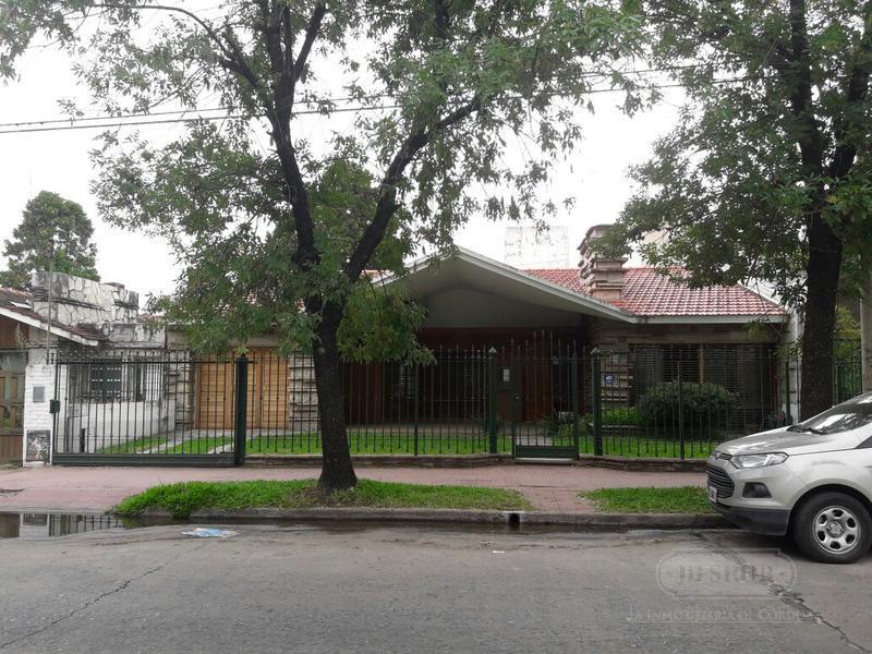 Foto Casa en Alquiler en  Cerro De Las Rosas,  Cordoba  CERRO DE LAS ROSAS-TEJEDA 4.320