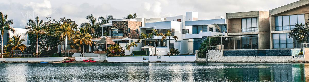 Foto Terreno en Venta en  Lagos del Sol,  Cancún  Terreno en venta en Cancún Lagos Del Sol. Manzana Ceibas 358 m2
